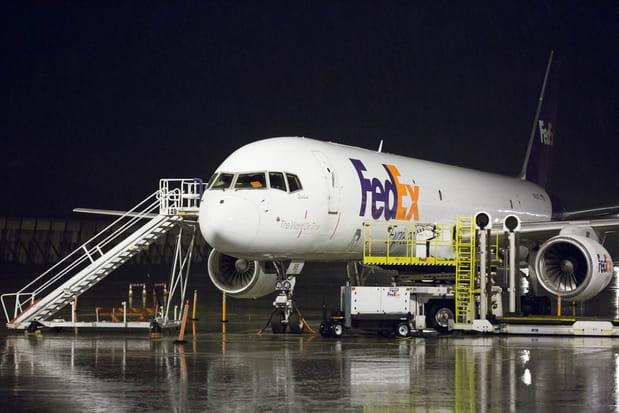 4 avions de réserve restent en parmanence au sol