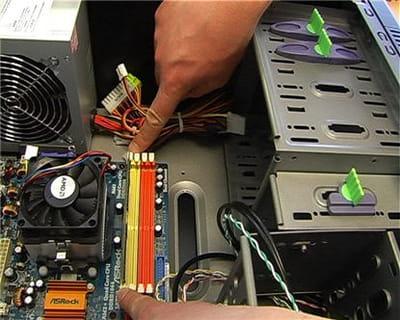 l'emplacement de la mémoire vive dans un ordinateur de bureau