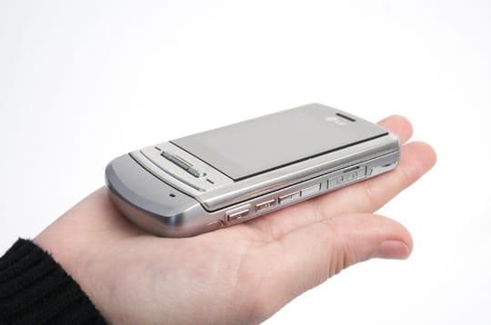 Test du LG KE970, le téléphone miroir
