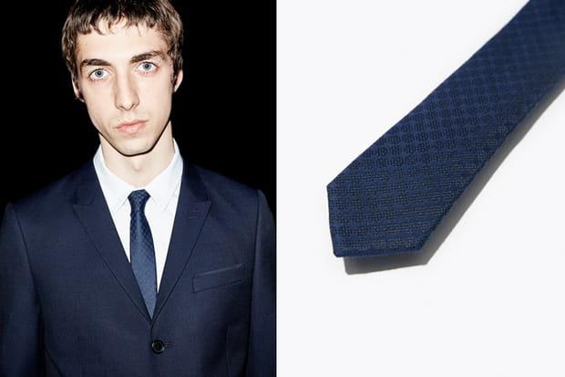 Une cravate The Kooples