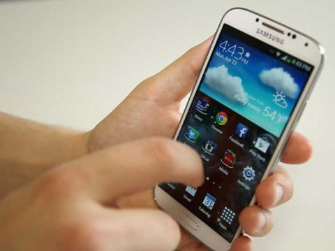 11 choses que l'on peut faire avec un Galaxy S4 mais pas un iPhone 5S