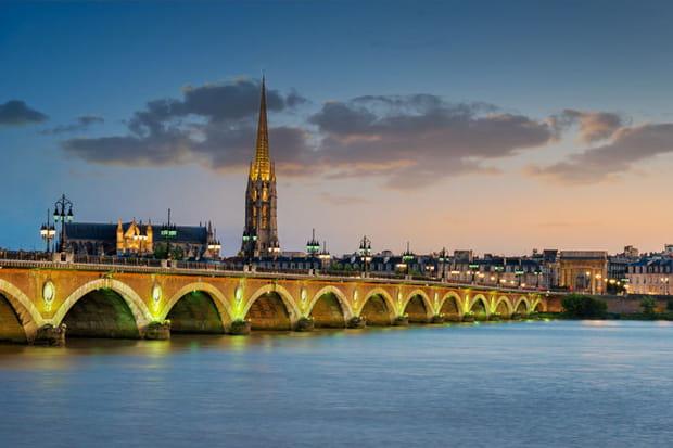 Bordeaux : hausse de 5% des impôts locaux