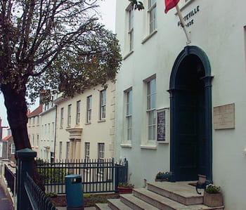 hauteville house, la maison de victor hugo en exil à guernesey.