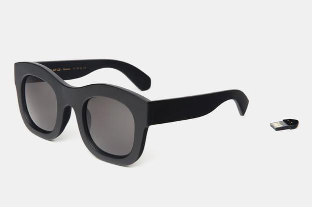 une paire de lunettes de soleil nerd x illesteva. Black Bedroom Furniture Sets. Home Design Ideas