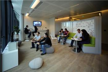 un 'espace détente' au siège européen de microsoft, situé près de paris, à