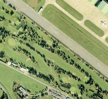 le golf de villacoublay compte moins de 1000 membres.