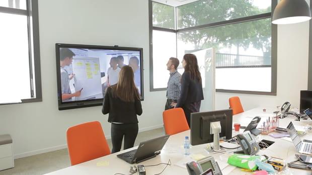 Une visioconférence avec le Centre de services d'IBM à Lille pour passer en phase projet