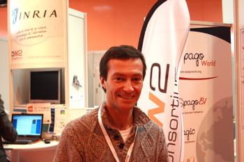 françois letellier est membre du conseil d'administration d'ow2 et consultant
