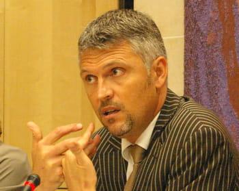 christophe badot est directeur commercial de symantec.