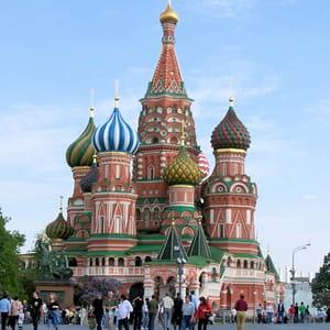 la cathédrale st basile le bienheureux sur la place rouge, à moscou.
