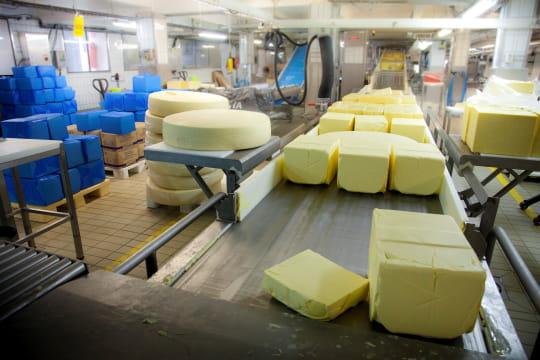 Mélange du beurre et du fromage