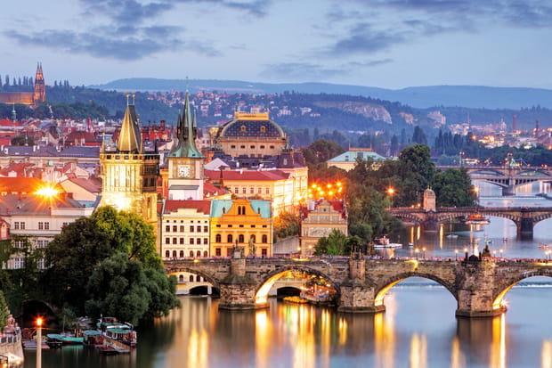 13e : Prague, République tchèque 94,92 £ (122,68 €)