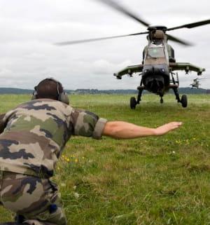 un militaire en exercice.