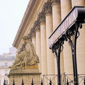 le palais brogniart, à paris.
