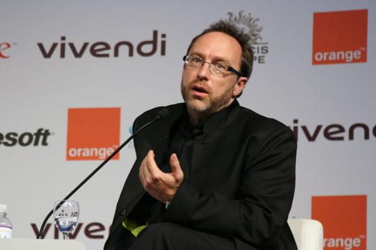 Jimmy Wales et l'éléphant Wikipedia