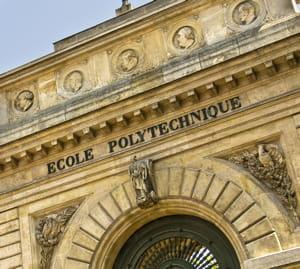 une vue de l'ecole polytechnique.