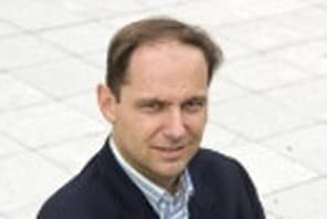 """Guillaume Dolbeau (PMU):""""Nous avons triplé notre chiffre d'affaires mobile en2010"""""""