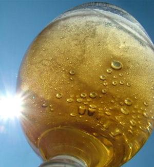 ambev est une filiale du groupe leader mondial de la production de bière.