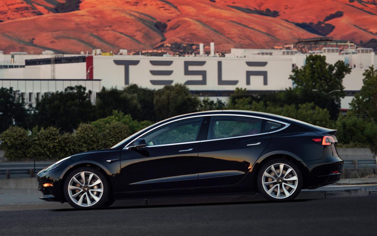 Tesla Les Services Connectes A Bord Deviennent Payants