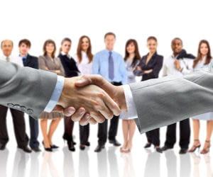 parmi les 1 500 réseaux de franchise, une centaine s'adresse à une clientèle