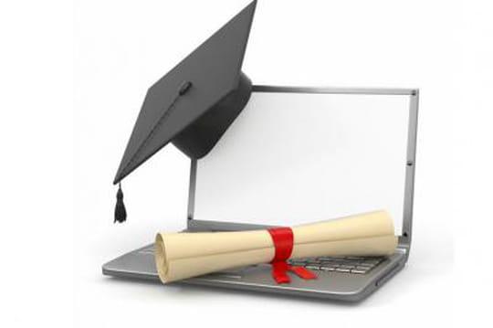 Certification informatique : l'EDHEC se lance dans l'e-surveillance d'examen