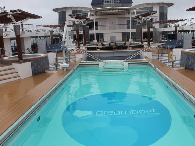 Un ferry baptisé Dreamboat