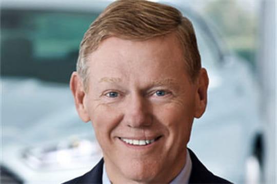 Le CEO de Ford plébiscité pour prendre la tête de Microsoft
