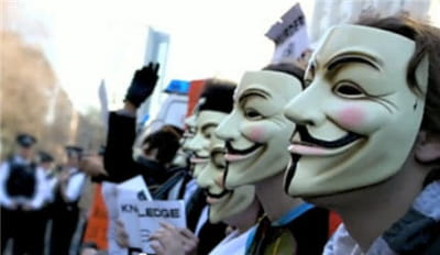 une manifestation d'anonymous contre la scientologie