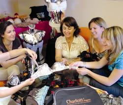 une réunion de vente de lingerie charlott'
