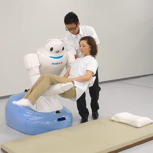 le robot riba-ii, développé par l'institut de recherche riken et tokai rubber
