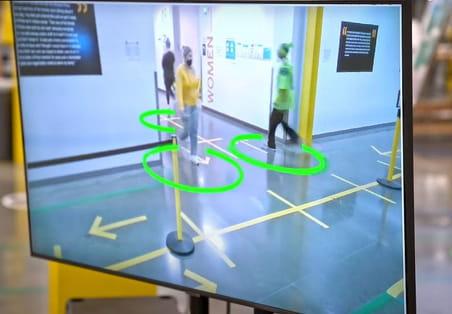 L'IA: nouvelle arme pour faire respecter les gestes barrières et éviter un rebond