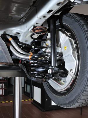 sur le prototype roulant développé par ford, les moteurs électriques dans les