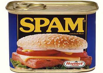 une seule personne à signal spam pour traiter des millions de signalements de