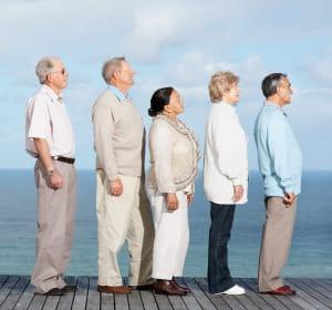 en 2050, le monde comptera trois fois plus de personnes âgées qu'en 2000.