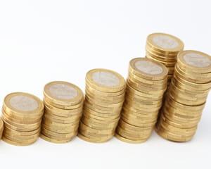 le smic passe à 1445 euros mensuels au 1er janvier 2014.