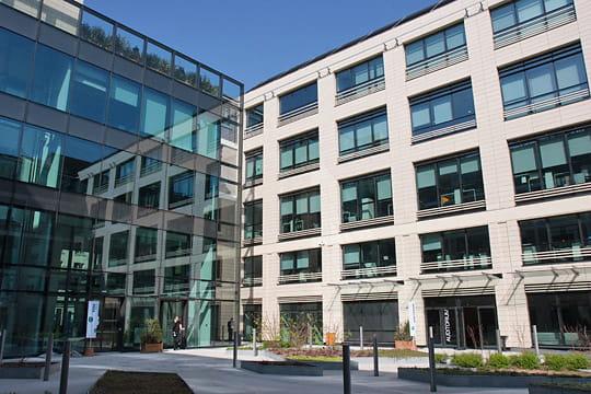 Evergreen : business center