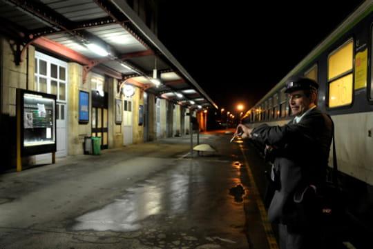 La gare la nuit