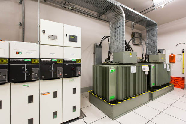 Deux transformateurs électriques par salle