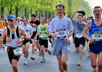 le marathon de paris rassemble chaque année plus de 35 000 participants.