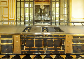 les cuisini res la cornue symbole du luxe fran ais. Black Bedroom Furniture Sets. Home Design Ideas