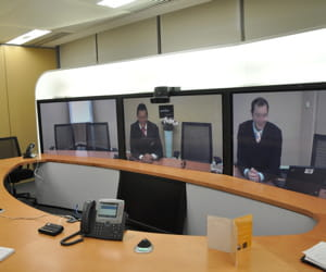 cisco fournit par exemple des systèmes de téléconférence.