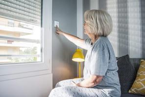 Comment le smart building favorise le maintien à domicile des personnes âgées
