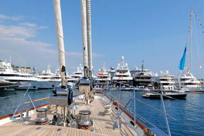 seuls 22 voiliers de plus de 30 mètres ont été livrés en 2008.