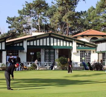 le golf d'hossegor est très apprécié pour son sol sablonneux.