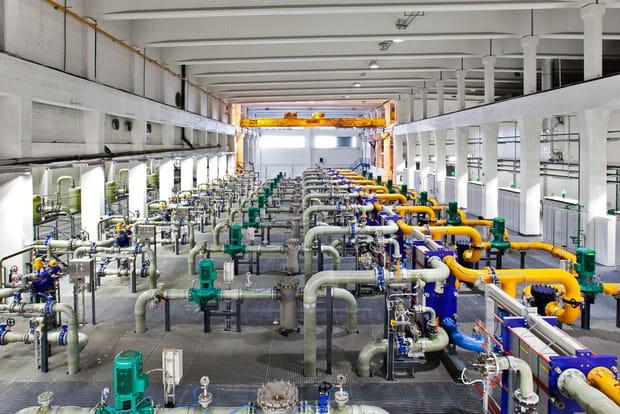 Des réservoirs de stockage d'eau
