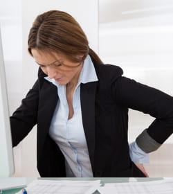 une chaise inadaptée peut se révéler douloureuse.