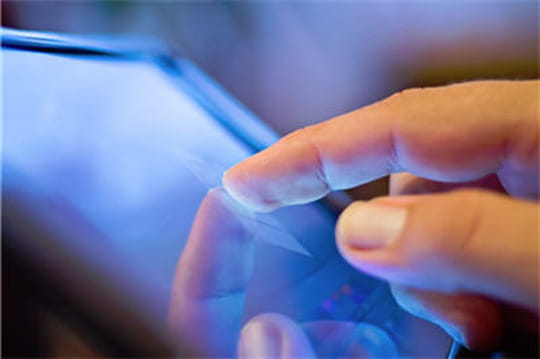 SFR étoffe son offre de communications unifiées cloud