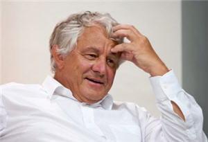 hassso plattner est professeur honoraire de l'université de postdam depuis 2004.