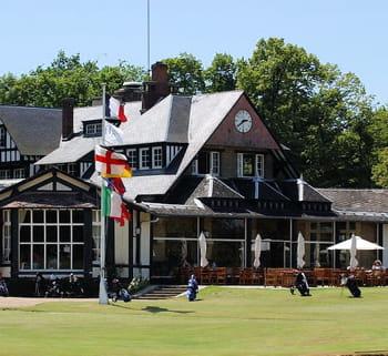 le golf de chantilly a la réputation d'être l'un des plus agréables de france.