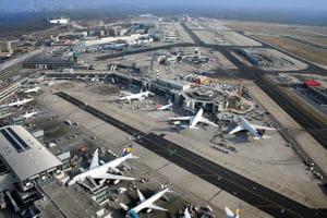 une vue de l'aéroport de francfort.
